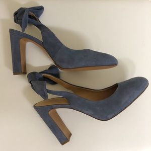 Banana Republic Shoes - Banana Republic Blue Suede Pumps w/ Bows Size 9